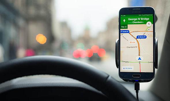navigacija tavo telefone ar planseteje